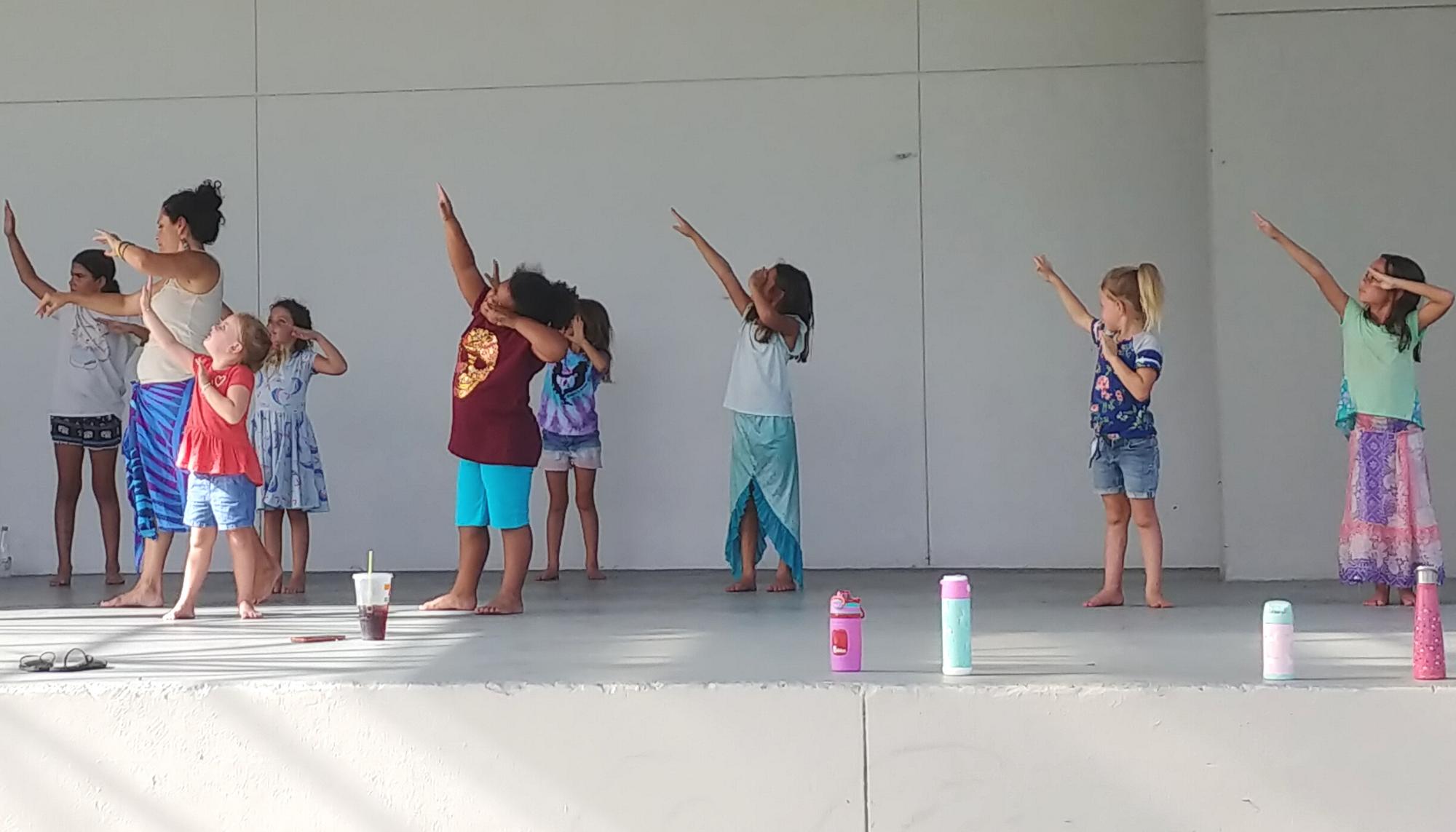 Hula Dance (10+)